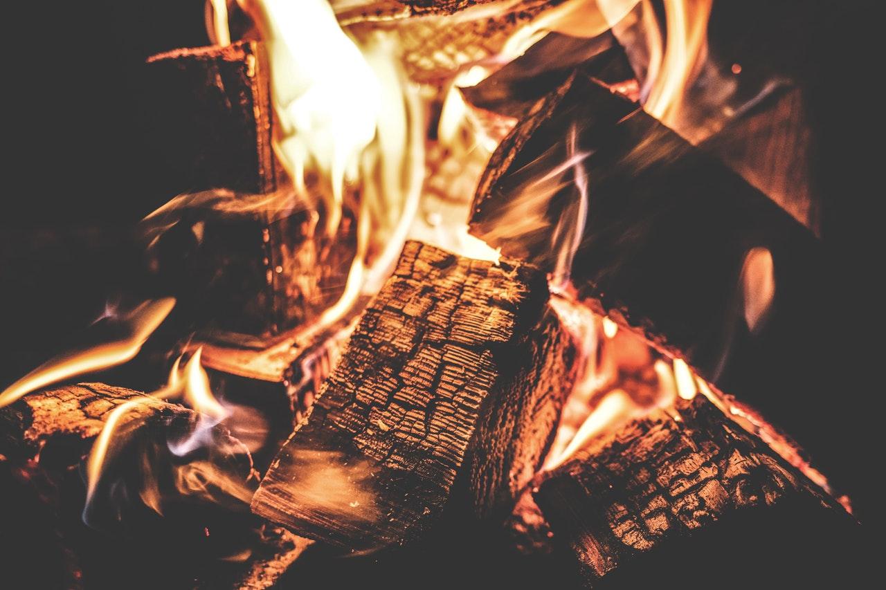 Komplet guide: Vælg den rigtige brændeovn